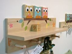 great owl kid room hooks! cool idea for a classroom!