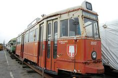 njoy better days again — eventually. Consider this rather grim photo of ex-Muni PCC streetcar No. 1040, as it looked in 2009: