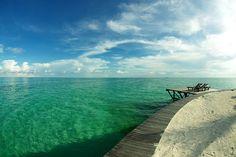 Kapalai Island, Sabah by Chot Touch (flickr)