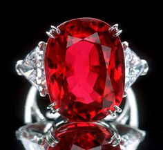 The Smithsonian's National Museum of Natural History Collection. 23.1-carat Burmese ruby, set in a platinum ring with diamonds, was donated by Carmen Lúcia. bling, ruby rings, red, rubi, diamonds, color, gem, stones, jewelri