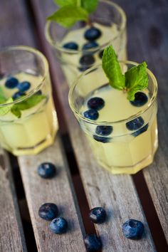 Blueberry lemonade fizz cocktails