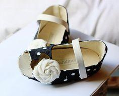 #babyshoes #ivoryandmoss