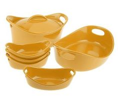 ONE day I will get me some Rachel Ray cookware like this!!