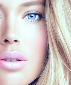 Blonde hair blue eyes and pink lip gloss . I can dig that.
