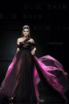 Ele Saab couture  #style #runway #fashion #design #beauty #hautecouture  #socialmedia #socialnetworks #pinterest