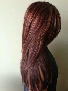I would love to have long hair like this and the color is beautiful too.
