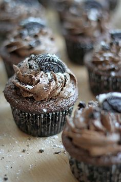 Chocolate HEAVEN! Triple Chocolate Oreo Buttercream Cupcakes. There is nothing that can't be improved with Oreos :) #cupcakesrecipe