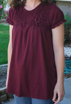 Creativity by Mich: Extra Large T-Shirt Upcycle Via Shirring  Cute idea for an extra large t-shirt