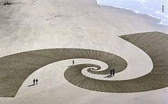 The 47 year-old Californian used garden implements and wooden sticks to create three miles of geometric pattern across the hot Black Rock salt plain._#GeorgeTupak