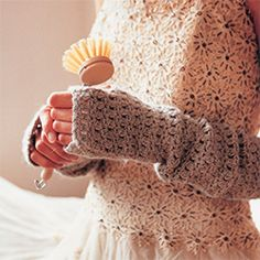 Great tutorial for these gorgeous fingerless mittens!