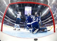 Jets Down Lightning with Late Goal
