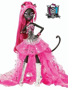 MONSTER HIGH Catty Noir Doll.  I want her.  I can see her being really pretty with a more natural repaint and less gaudy clothes.  Seriously, Mattel, what is up with the tacky stuff?
