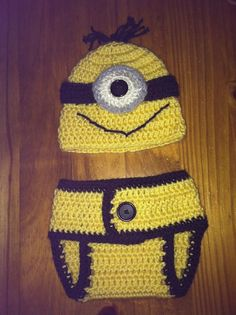 I want this!! Either i need to learn how to make it, have Ameryn make it or get it from here! Crochet Newborn MINION Hat & Diaper Cover by Snowbabyscreations, $25.00