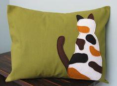 calico cat pillow cover (designsbynancyt, via moderncat)