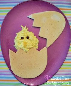 Peeping Pancake Breakfast: What A Great Easter Morning Breakfast (Pancake & Scrambled Egg) For The Kiddies To Wake Up To...Click On Picture For Easy Tutorial... Easter Breakfast, Fun Food, Scrambled Eggs, Easter Crafts, Pancakes Breakfast, Easter Eggs, Kids, Pancake Breakfast, Egg Breakfast