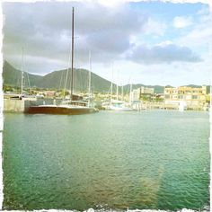 The Caribbean seas of St. Kitts >> Another lovely place I have yet to see!