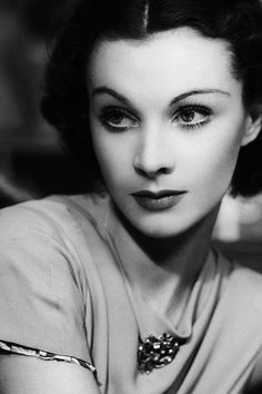 Vivien Leigh. 24th (and 12th) actress to win the Academy Awards' Best Actress Oscar (Streetcar Named Desire, 1951).