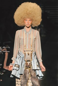 Louis Vuitton RTW Spring 2010 [Photo by WWD Archive]