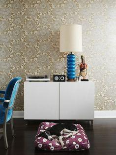 lovely wallpaper pattern.