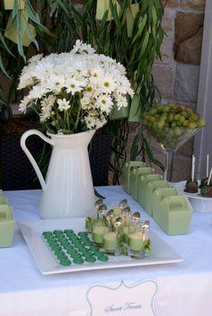 green parti setup, spoons, ribbons, green, parfait, white, plan idea, parti plan