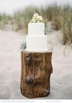 ♥ African wedding cake | Photo: Jose Villa, Styling: Joy de Vivre