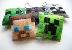 2012 Minecraft Christmas Ornaments/Keychains http://shr.tn/Q8Hg