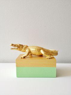 DIY jewelry box using dollar store box, plastic animal toy, and paint. #alligator #diy