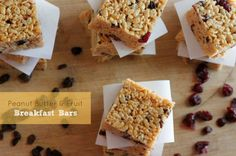 Peanut Butter and Fruit Breakfast Bars via @Piera -- Jolly Mom