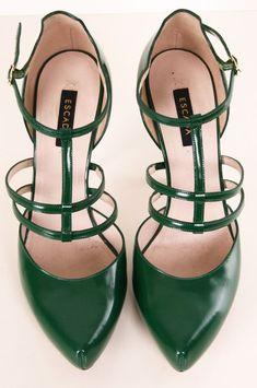 Emerald Strap Heels.... Ne Parliamo Anche Qui: Www.librobombonie...