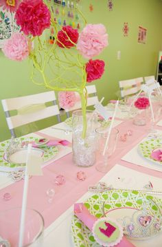 Princess Party. Perfect for a Cinderella party :)