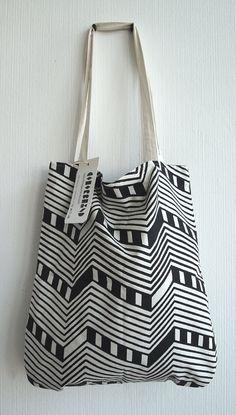 patterned shopper