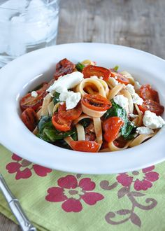 Fettuccine with Seared Tomatoes, Spinach and Goat Cheese