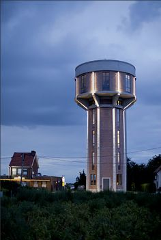 NYT—Patrick Mets jokingly calls the nearly 100-foot-tall water tower he converted into a home Chateau d'eau.