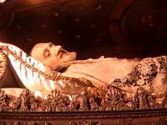 Saint Vincent De Paul! An Incorruptible Saint. He is the patron saint of the poor and those struggling with finances. Saint Vincent De Paul, pray for us!