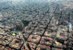 Eixample, Barcelona - Wide streets, easy navigation. Home of my TESOL school.