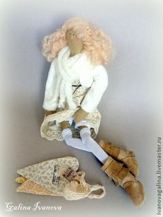 LOVE  the boots! Tilda dolls handmade.  Fair Masters - handmade Annie.  Handmade.