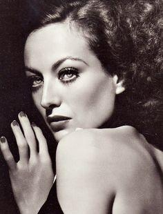 Joan Crawford, Photo by George Hurrell.