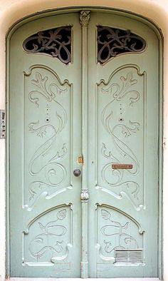 green doors, front doors, nouveau door, door art, beauti door
