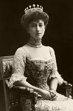 """Princess Maud (Maud Charlotte Mary Victoria """"Harry"""") (1869-1938) of Wales, UK. 5th child of Edward VII (1841-1910) & Alexander of Denmark (1844–1925). Married King Haakon VII (Prince Carl of Denmark & Iceland, born Christian Frederik Carl Georg Valdemar Axel) (1872-1957) Norway & became Queen of Norway."""