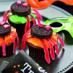 Chocolate Spider Cakes  #Halloween  #CadburyKitchen