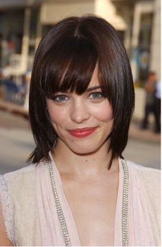 Lindsay hits this one out of the park with a cute medium hairstyle for every face shape and hair type. Plus see DIY how to tips for each of these hot looks. Come have a look see.