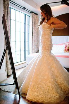 Classy, winter New York Wedding. Captured By: Caroline Frost #weddingchicks http://www.weddingchicks.com/2014/08/27/a-new-york-winter-wedding/