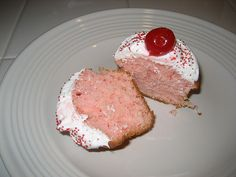 Shirley Temple Cupcakes---Trying these tonight & watching some of her movies.