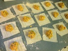 Filling ravioli