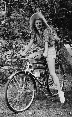 Fotos antiguas de bicicletas: Ginger Rogers