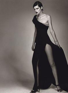Dior in Vogue: Stella Tennant in Gianfranco Ferre