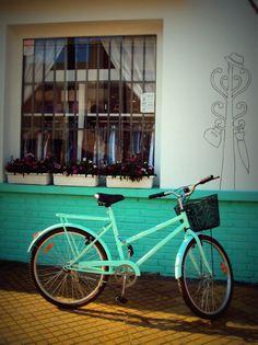 Bike riding through the city!