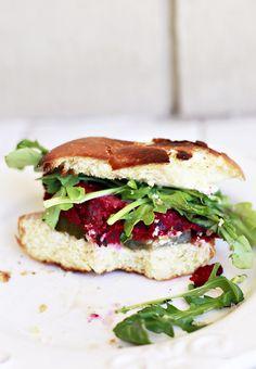 Beet Veggie Burger Recipe.  #vegetarian #vegan