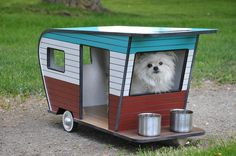 These Pet Campers designed and built by Judson Beaumont and his company, Straight Line Designs, are TOO CUTE