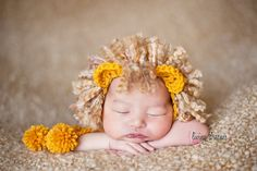 crochet newborn hat photography prop lion by WeeBeePhotoProps, $27.00